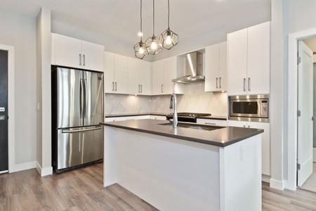 402 15436 31 Avenue in Surrey, BC : MLS# r2575343