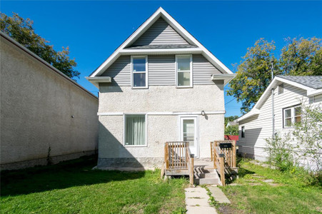 402 Hampton St Winnipeg