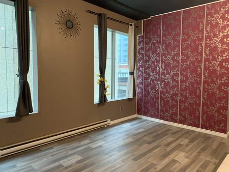 405 10024 Jasper Av Nw - Living room Measurements not available