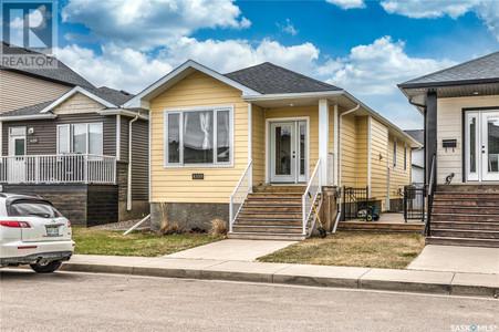 4105 Green Olive Way E in Regina, SK : MLS# sk852210