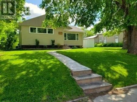 437 Esterhazy St, Esterhazy, Saskatchewan, S0A0X0