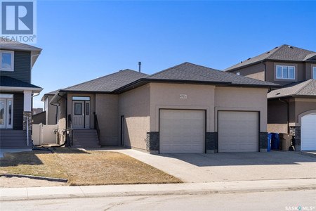 4721 Green View Cres E in Regina - House For Sale : MLS# sk849218