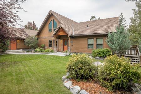 4981 Mountain View Drive, Fairmont Hot Springs