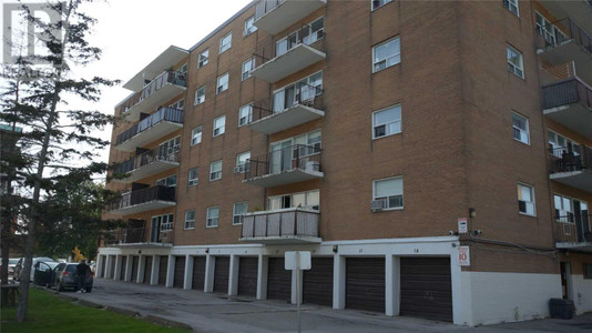502 8 Kingsbridge Crt, Westminster-Branson, Toronto