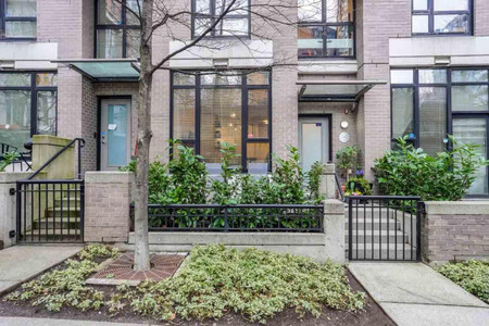 517 Drake Street in Vancouver - Townhouse For Sale : MLS# r2569901