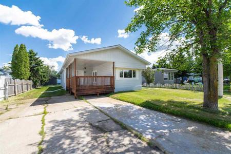 5223 55 St, Lamont, Lamont, Alberta, T0B2R0