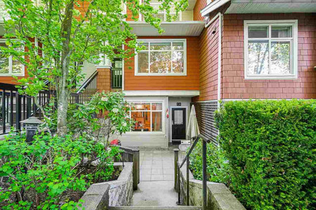 54 6878 Southpoint Drive in Burnaby, BC : MLS# r2580296