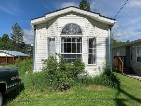 5785 Toby Street, Edgewater, British Columbia, V0A1E0