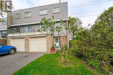 61 2315 Bromsgrove Rd, Clarkson, Mississauga