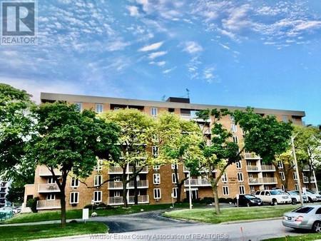 6558 Thornberry, Windsor