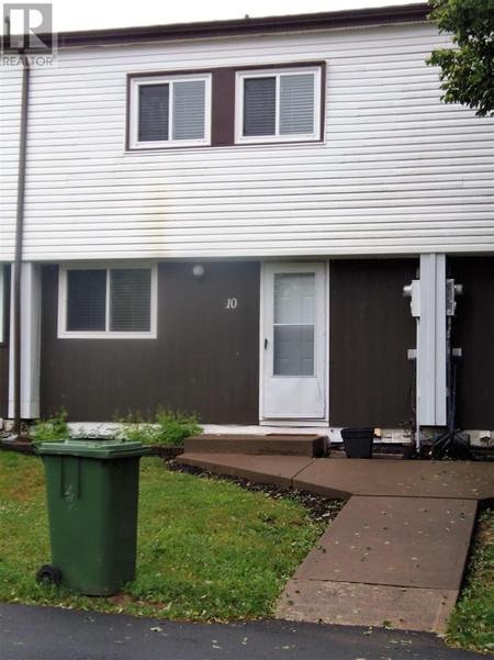 70 10 Drumdonald Road - Primary Bedroom 17.2 x 12.5 +- Jogs
