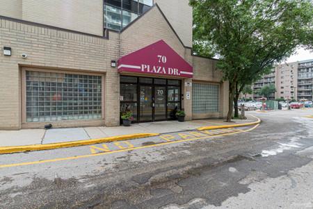 70 Plaza Drive in Winnipeg, MB : MLS# null