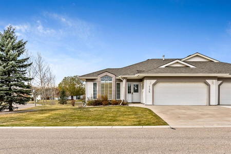 735 Pentecost Bay, Prince Of Peace Village, Rural Rocky View County