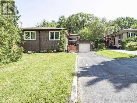 75 Dunelm St, Scarborough Village, Toronto