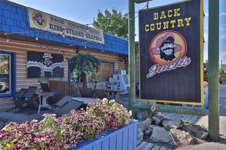 7555 Main Street W, Radium Hot Springs, British Columbia, V0A1M0
