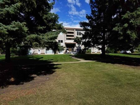8 6815 112 St Nw Edmonton