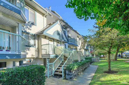 8 7520 18th Street Burnaby