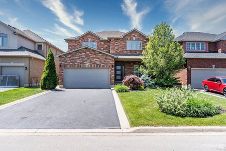 8 Commando Court, Waterdown, Ontario, L8B0J6