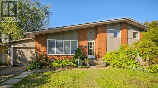 8 Cullen Drive, St Catharines