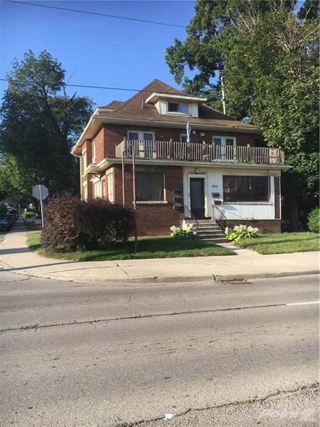 800 Main Street E, Hamilton