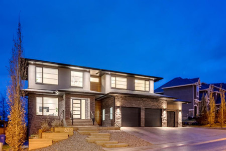 8219 Fortress Drive Sw Calgary