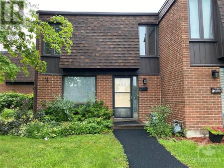 882 Cahill Drive, Hunt Club Estates, Ottawa