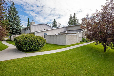 9 4915 45 Street Sw in Calgary - Townhouse For Sale : MLS# a1075600