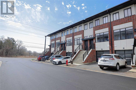 9 Mulhollard Lane in Hamilton, ON : MLS# x5201717