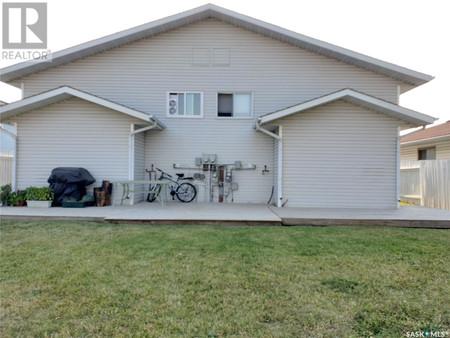 90 92 Gray Ave, Forest Grove, Saskatoon
