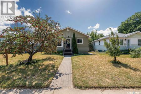 924 2nd St E, Haultain, Saskatoon