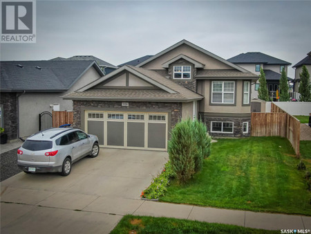 926 Hunter Rd, Stonebridge, Saskatoon