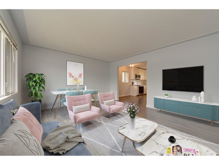 9616 75 St Nw - Family room 5.82 m x 3.96 m